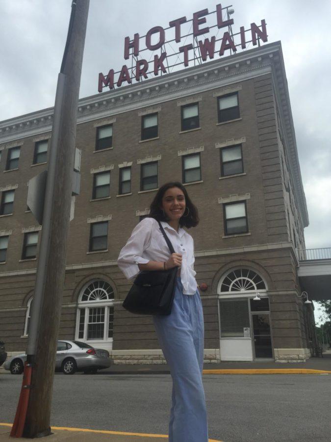 Ella+in+front+of+Hotel+Mark+Twain