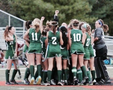 Field Hockey celebrates a victory